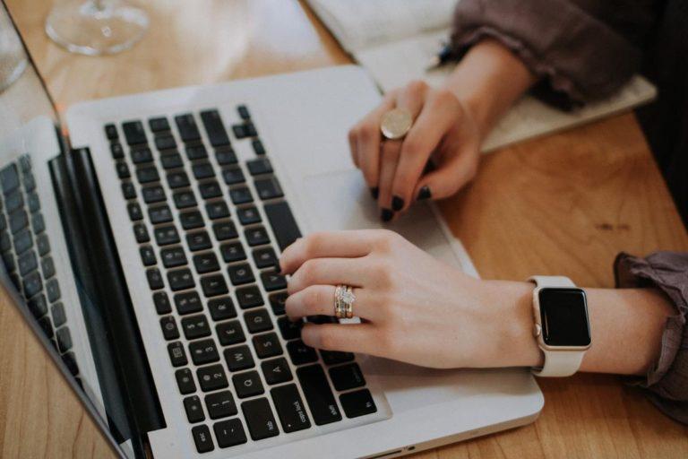 Jakie znaczenie mają koszty realizowania działań marketingu internetowego?