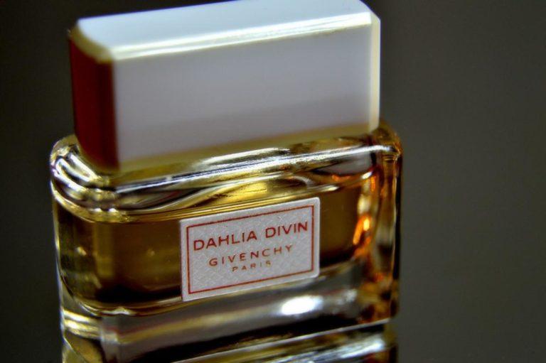 Warto wiedzieć, z jakiej kategorii zapachu pochodzą wybrane perfumy