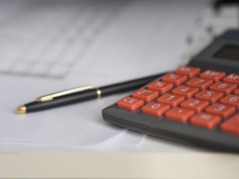 Z czym wiąże się wzięcie pożyczki dla firm?